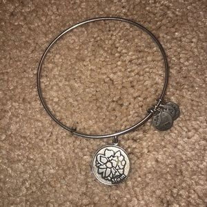 'mom' alex & ani